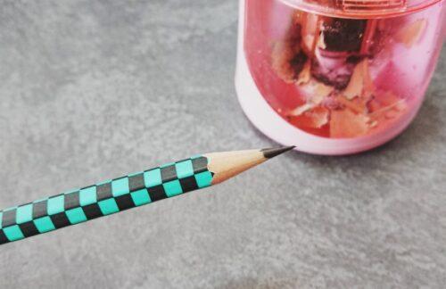 ダイソー電動鉛筆削り300円えんぴつ